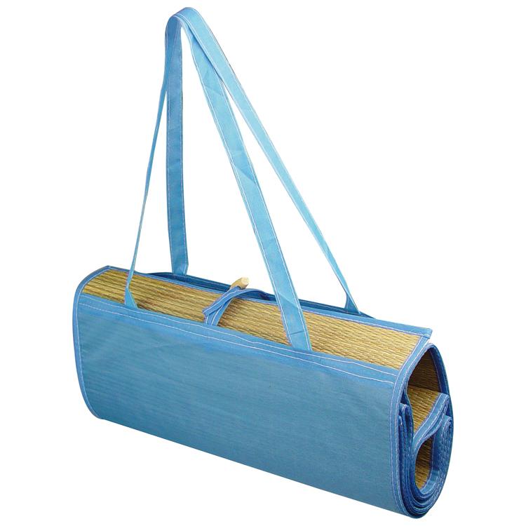 Foldable beach mat